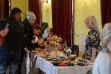 Świąteczny jarmark w Skarżysku. Ręcznie wykonane cudeńka w przystępnych cenach (ZDJĘCIA)