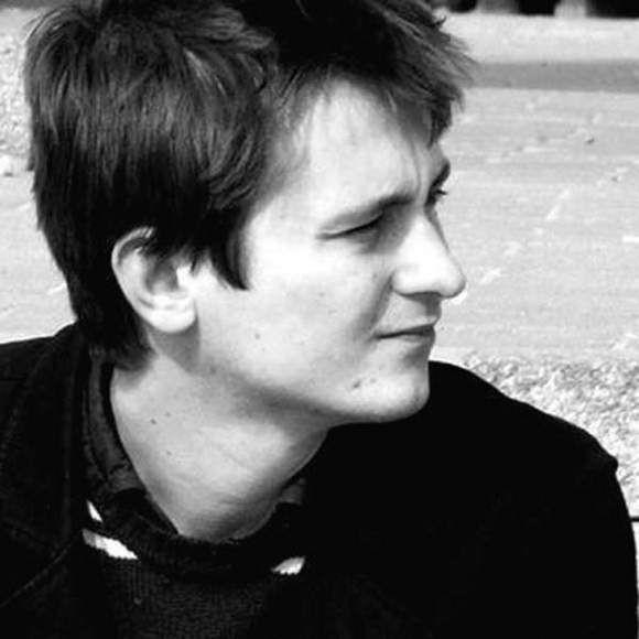 Radosław Oryszczyszyn jest pracownikiem naukowym Instytutu Socjologii Uniwersytetu w Białymstoku.