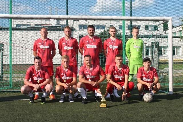 Drużyna Top Market zwyciężyła w chynowskim turnieju piłkarskim już po raz trzeci z rzędu.