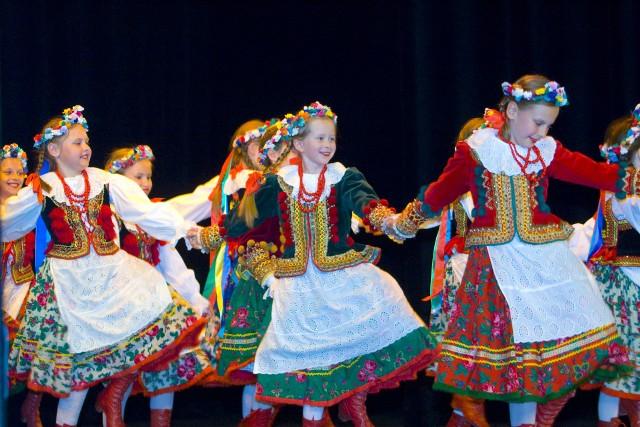 Samorządowe Ognisko Baletowe otworzyło rekrutację na rok 2021-2022. Chętnych czekają atrakcyjne zajęcia z tańca, śpiewu i aktorstwa.