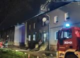 Katowice. Tragiczny pożar domu przy ul. Studziennej, zginął człowiek. Odnalezionego w budynku nieprzytomnego 50-latka nie udało sie uratować