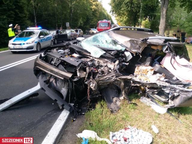 Samochód osobowy zderzył się z samochodem dostawczym