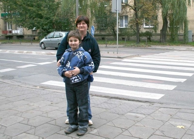To przejście na ulicy Limanowskiego to istny koszmar – mówi pani Aneta, która codziennie musi prowadzić syna Krzysztofa do szkoły na Plantach.