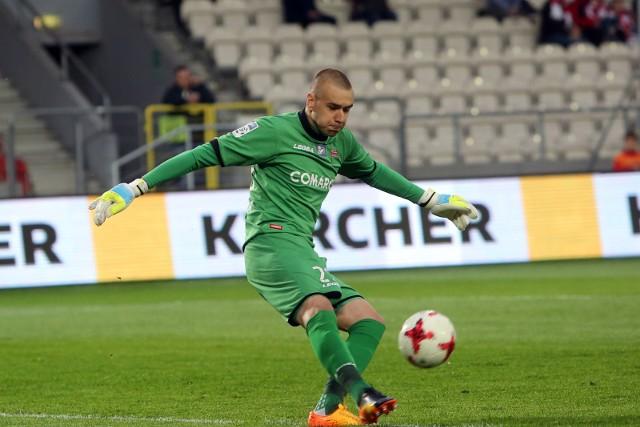 Grzegorz Sandomierski w barwach Cracovii w meczu z Arką Gdynia, rozegranym 8 maja 2017 roku