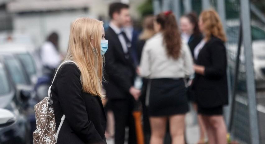 Egzamin dojrzałości zdało 76 proc. maturzystów z...