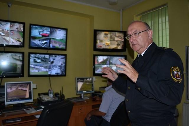 - W tym roku chcemy uzupełnić trzy wakaty, tak aby od poniedziałku do niedzieli pracować na dwie zmiany - mówi Jan Przeczewski, komendant straży miejskiej.