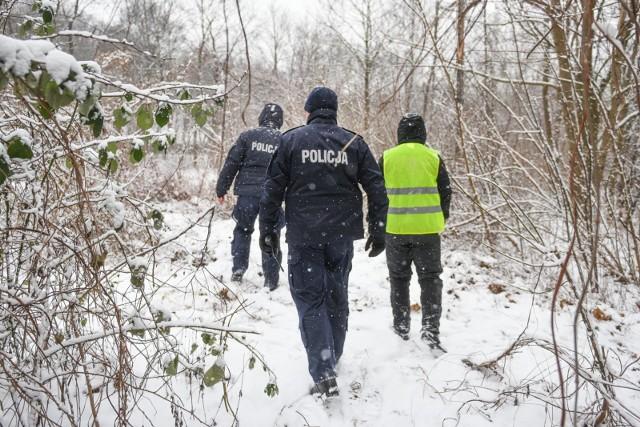 Szczęśliwie zakończyły się - po kilki dniach - poszukiwania chorego 30-latka z gminy Inowrocław. Odnaleziono go w lesie.