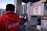 Bielsk Podlaski. Wyciek gazu na stacji paliw Lotos. Policjanci radzą omijać ul. Piłsudskiego