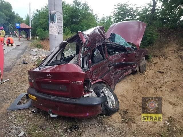 Rudy Rysie: śmiertelny wypadek na drodze wojewódzkiej nr 768, nie żyje 53-letni kierowca opla, 24.06.2021