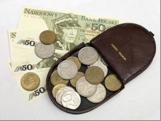 """Próbne monety z PRL mogą osiągać nawet pięciocyfrowe kwoty. Na cenę oryginałów wpływa przede wszystkim rzadkość, surowiec i stan zachowania. O tym, czy moneta kosztuje 10 zł, czy 10 000 zł, decydować może napis """"próba"""", który łatwo przeoczyć. Sprawdźcie, czy posiadacie taką monetę w domu!WIĘCEJ NA KOLEJNYCH STRONACH>>>"""