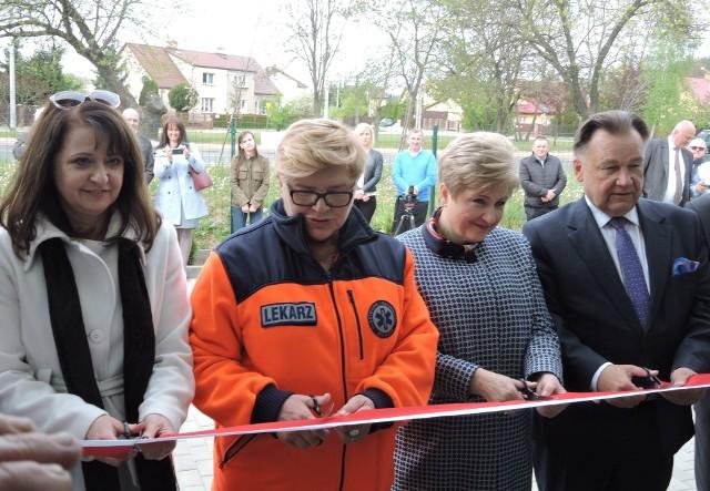 Ostrów Mazowiecka. Pogotowie ratunkowe ma nowy budynek. 6.05.2019 oddano go do użytku