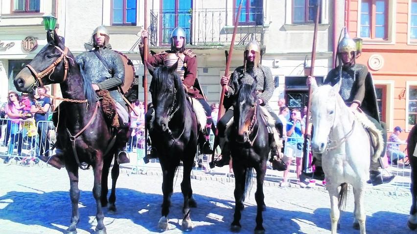 Impreza rozpocznie się w sobotę, 7 lipca pokazami rycerskimi.