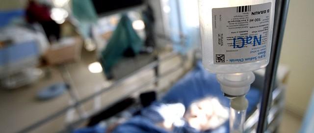 Pacjenci, u których wystąpił zespół Lyella, tracą naskórek. Kilkakrotna wymiana osocza krwi pozwala na usunięcie toksyn z organizmu