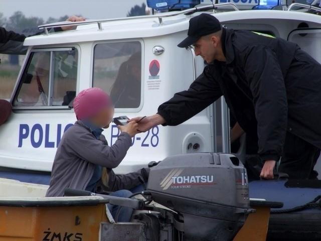 Akcja ratownicza na jeziorze Kierskim. Wywróciła się żaglówka