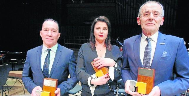 Laureaci X edycji: Wiktor Napióra (Hurtap SA), Agnieszka Majcherska (Eurelo), Zbigniew Bednarek (Bilplast SA)