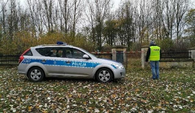 Ciało chłopczyka zostało odnalezione 25 października na cmentarzu żydowskim w Ożarowie.