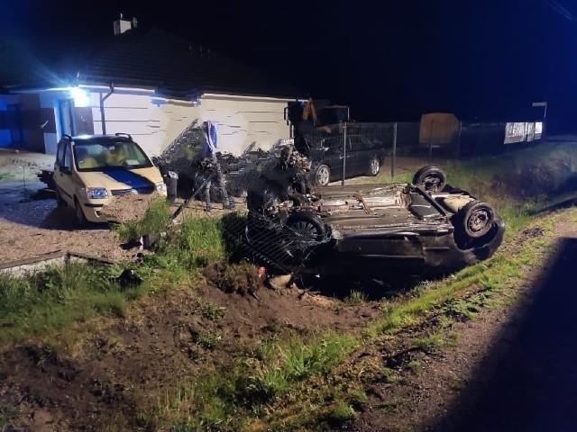 Do wypadku doszło w sobotę na kilkanaście minut przed północą.