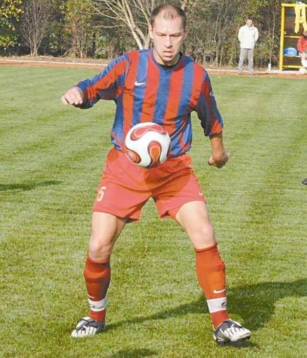 Grzegorz Chojnowski zdobył bramkę dla LZS-u.