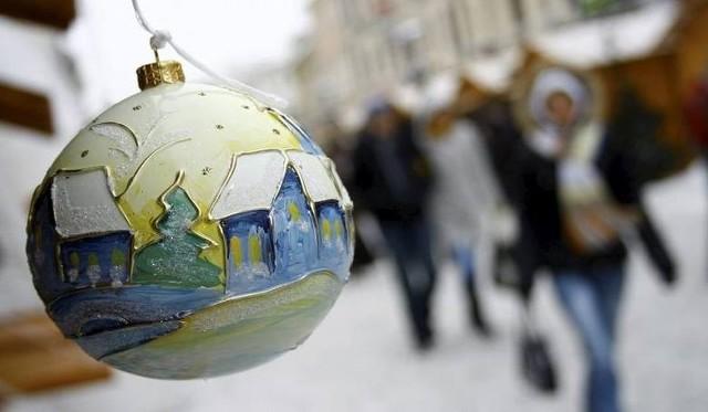 Życzenia świąteczne na Boże Narodzenie. Piękne wierszyki bożonarodzeniowe, krótkie, gotowe do wysłania na SMS i komunikatory [23.12.2020]