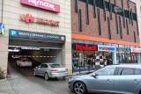 Pogotowie: strop w Kaskadzie nie spowolnił akcji ratowniczej. Ratownicy chwalą pracowników galerii i klientów
