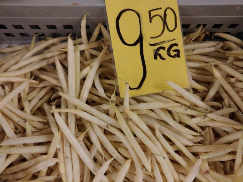 Ile kosztują owoce i warzywa na giełdzie w Białymstoku. Ceny fasolki, jabłek, papryki, śliwek 29.08.2020 [zdjęcia]