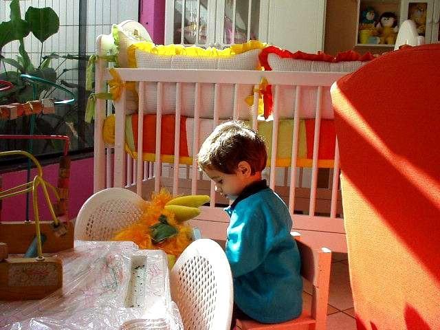 Pokój dzieckaW swoim pokoju dziecko powinno być przede wszystkim bezpieczne.