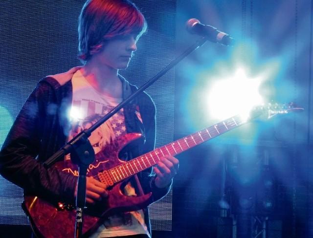 Udział w programie Must be the Music wiele zmienił w życiu Macieja Krystkowiaka. Sporo koncertuje. Właśnie nagrał płytę