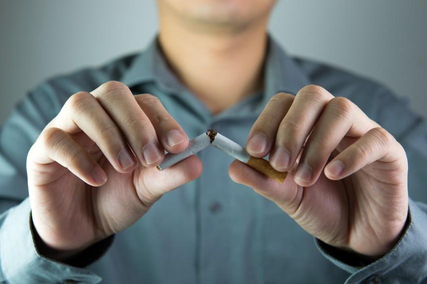 Zrywanie z nałogiem tytoniowym z pewnością nie należy do...
