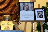 Pogrzeb Radoskóra. Na cmentarzu w Cedzynie rapera pożegnali rodzina, przyjaciele i fani [ZDJĘCIA]