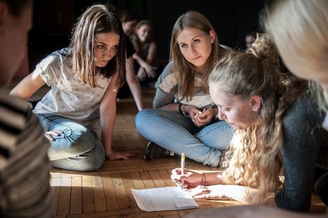 Na wizycie teatru z Kielc skorzystali szczególnie brzescy aktorzy, którzy wzięli udział w dwugodzinnych warsztatach.