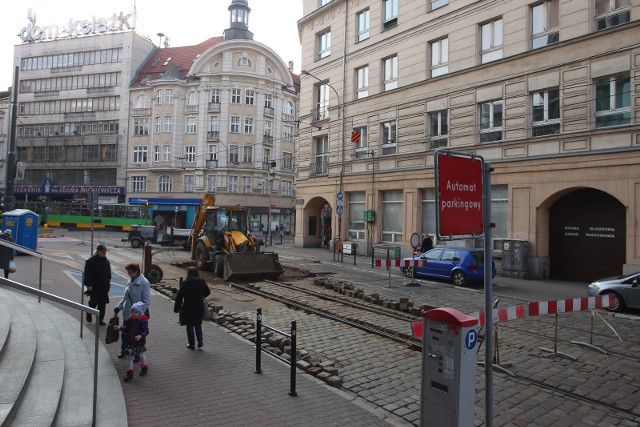 Mielżyńskiego i łuk na placu WielkopolskimTo pierwszy z zaplanowanych na ten rok remontów. Prace rozpoczęły się 12 marca i potrwają do 26 marca. W tym czasie poznańskie MPK wymieni zwrotnice oraz szyny na łuku na placu Wielkopolskim.