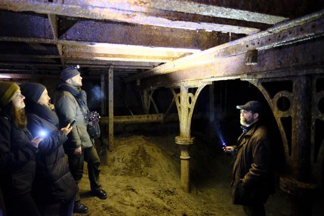 Ależ to była niespodzianka! Na początku 2018 roku pracujący na rondzie Pokoju Toruńskiego drogowcy odkopali doskonale zachowany... most z drugiej połowy XIX wieku.