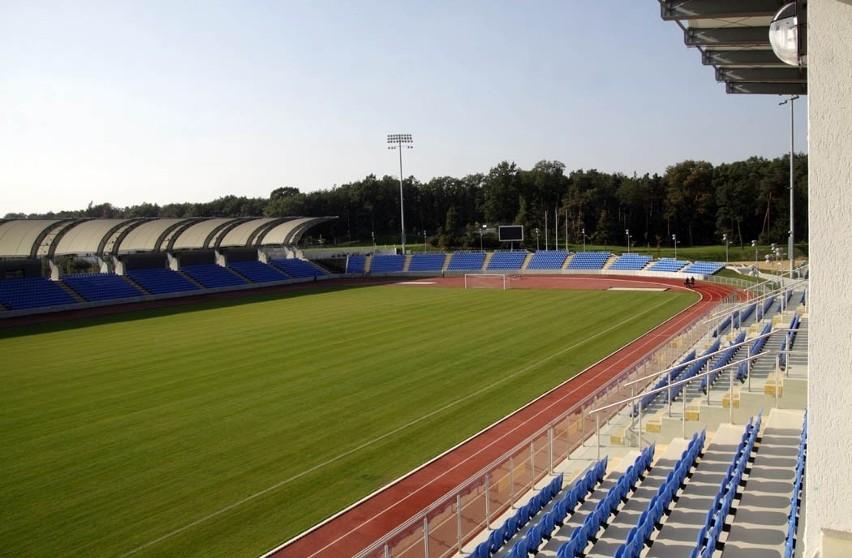 Stadion MOSiR Puławy, ul. Hauke-Bosaka 1...