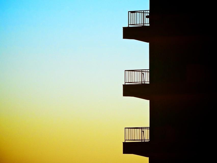 Balkony i przydomowe ogródki, przedtem traktowane jako miły...