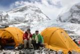 Po trzęsieniu ziemi w Nepalu Flaczyńscy odpuszczają Himalaje. Wolą spokój [wideo]