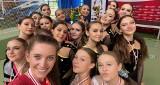 Młode tancerki Perferkta Master Junior Busko-Zdrój z medalami Pucharu Polski Cheerleaderek