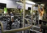 Nowa rzeczywistość zielonogórskich siłowni i klubów fitness. Na razie nie widać tłumów