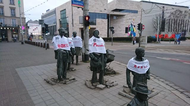 Protest w obronie Polaków aresztowanych na Białorusi w centrum Wrocławia.