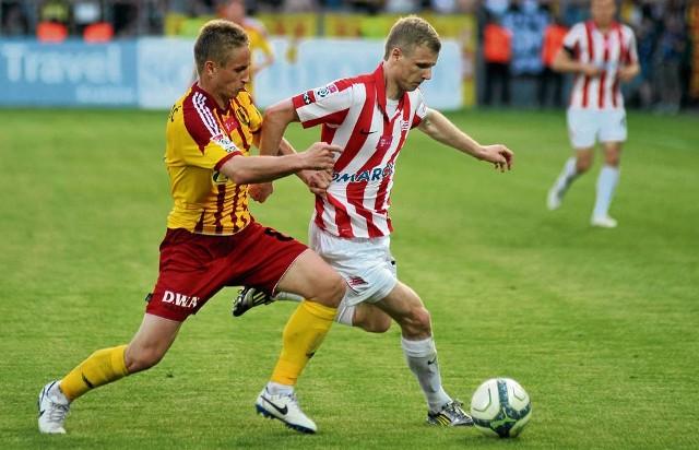 """Dawid Nowak (z prawej) w poprzednim sezonie zdobył dla """"Pasów"""" osiem goli, w tym – jednego."""