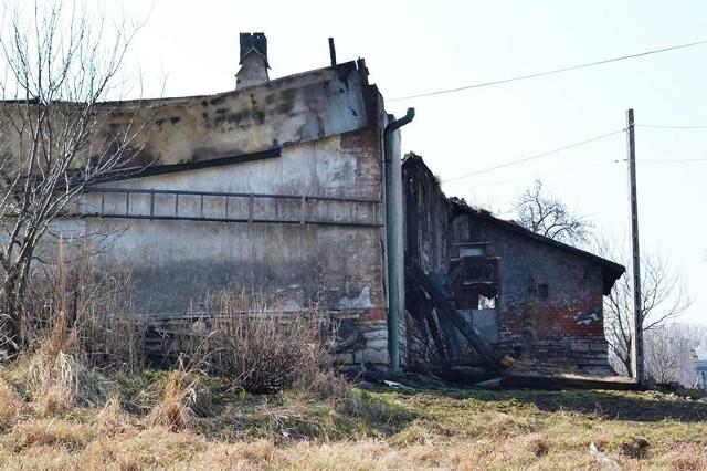 Pożar w Bielsku na Andersa. Pożar strawił budynek przy al. Andersa w Starym Bielsku. Straty sięgają 100 tys. zł