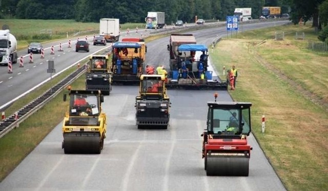 Dwie firmy zainteresowane są tegorocznym remontem autostrady A4 na Opolszczyźnie.