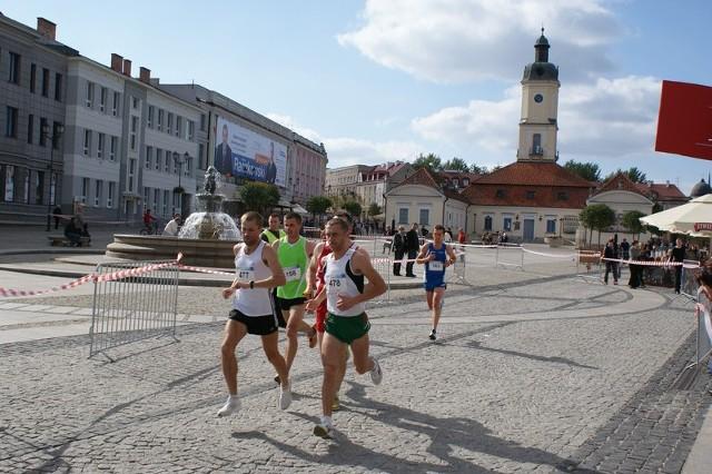 Podobnie, jak przed rokiem, trasa biegu prowadzi przez Rynek Kościuszki.