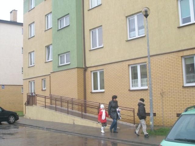 Ulica Mławska w Rypinie. Budynek RTBS-uUlica Mławska w Rypinie. To budynek RTBS-u, które inwestują także u nas.