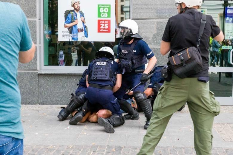 Białystok. Eksces na marszu równości umorzony. Sąd rozpatrzy zażalenie na decyzję prokuratury (zdjęcia)