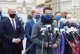 Rafał Trzaskowski i Borys Budka w Rzeszowie tłumaczą, dlaczego nie poprą Krajowego Planu Odbudowy. Rzeszów może stracić nawet 4 miliardy