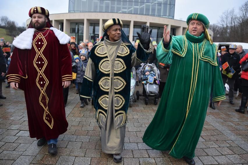 Orszak Trzech Króli w Gorzowie przyciągnął kilka tysięcy...