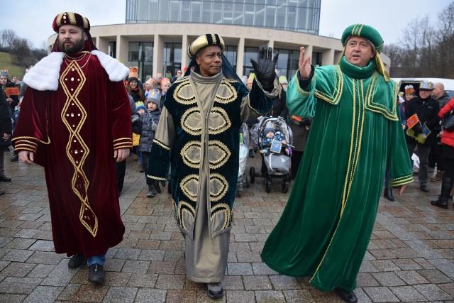 Orszak Trzech Króli w Gorzowie przyciągnął kilka tysięcy mieszkańców.