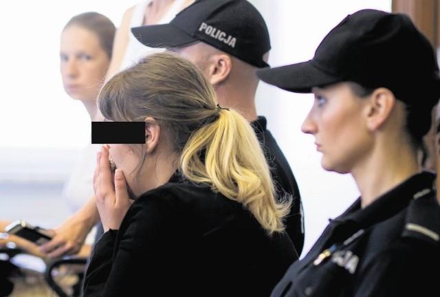 Sąd Apelacyjny w Białymstoku złagodził w czwartek karę dla nastolatki, która gumką do włosów udusiła nowo narodzonego syna