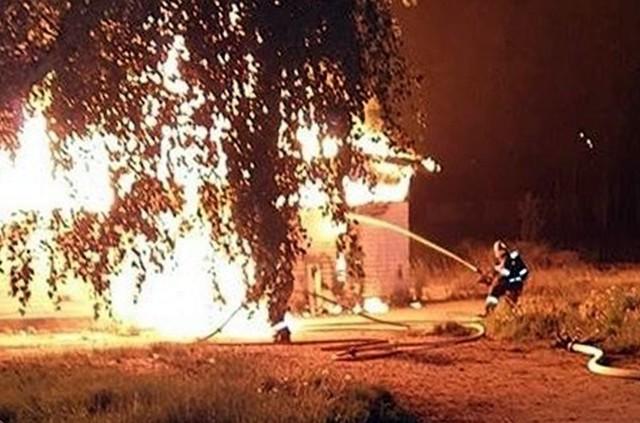 Pożar stajni w Rybniku. To prawdopodobnie było podpalenieZobacz kolejne zdjęcia. Przesuwaj zdjęcia w prawo - naciśnij strzałkę lub przycisk NASTĘPNE