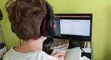 Zagrożenie koronawirusem: Szkoły przenoszą się do internetu. O edukacji w Koszalinie, naborze, ale też o pomocy dla firm [wideo]